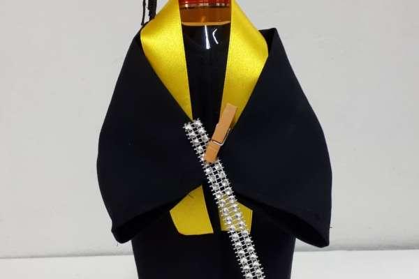 Ukrasno odijelo za bocu